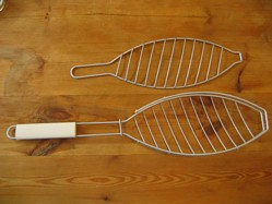 This is what I mean by a barbecue fish basket