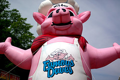 Famouse Dave's Pig franchise