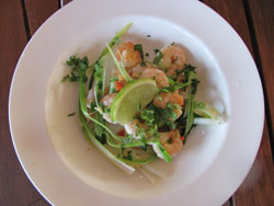 Spicy and healthy Thai grilled shrimp salad recipe