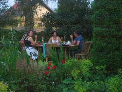 Excellent social al fresco dining