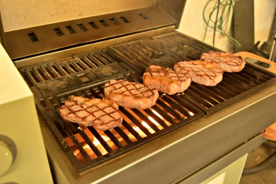 True direct cooking is possible on Grillson pellet grills