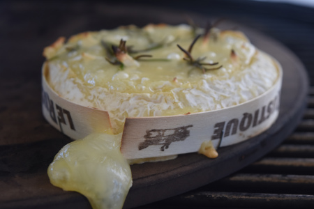 Kamdo Baked Camembert