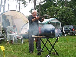 Image Barbecue On Camping Houx